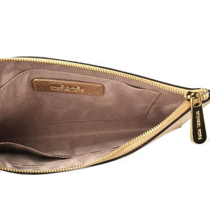 Michael Kors Bags - Michael Kors Mercer Leather clutch bag (Gold)